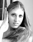Daniela Lanzetti, professionelle Bühnentänzer mit Diplom Ballettpädagogin, unterrichtet am Ballett-Atelier fortgeschrittene Klassen.