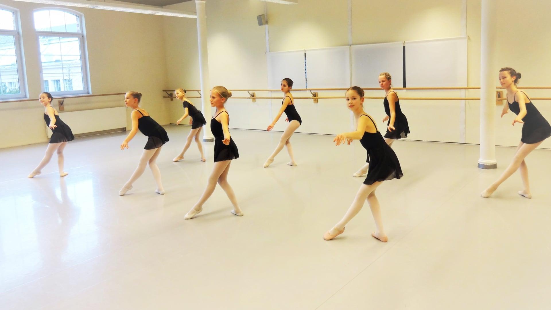 Das Ballett-Atelier Ludwigsburg ermöglicht Kindern ab 5 Jahren, professionelle Ballett-Kurse zu besuchen.